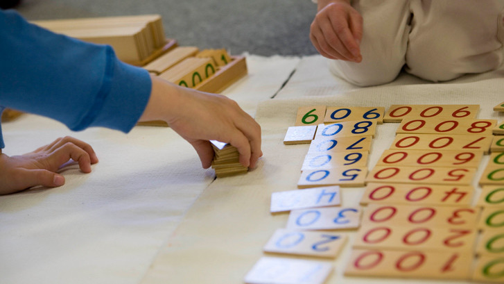 Montessori vs Traditional Schools